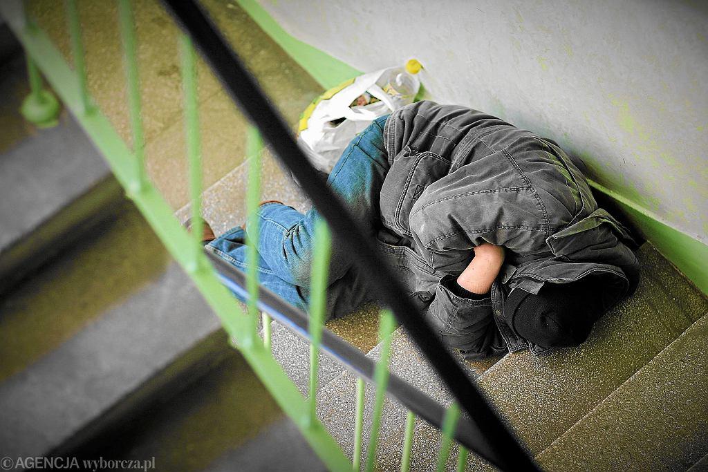 Osoba bezdomna (zdjęcie ilustracyjne)