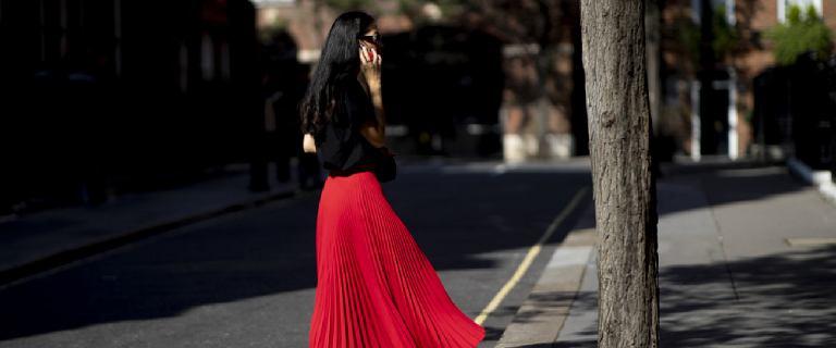 Bonprix wyprzedaje piękne letnie spódnice. Zwiewne, kobiece modele nawet za 30 złotych