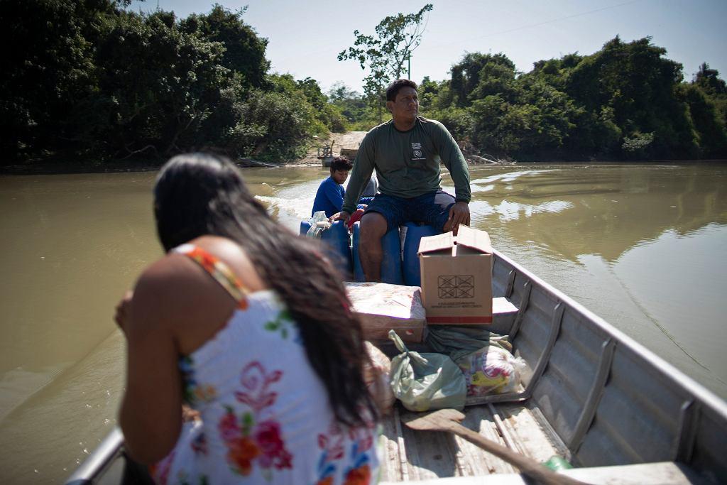 Brazylia, Mydje Kayapo, przedstawiciel ludności tubylczej.