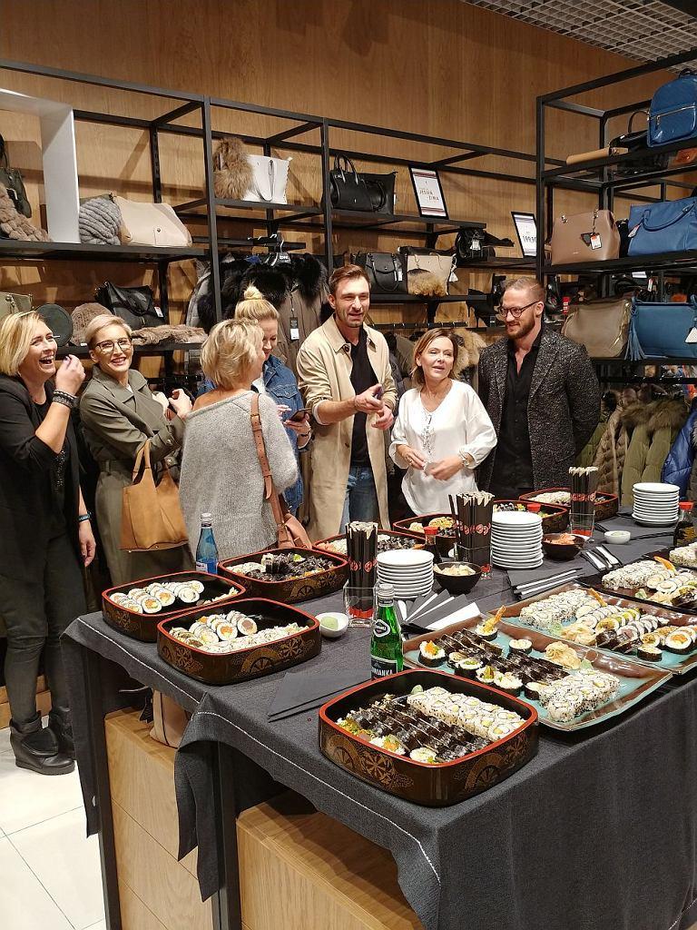 Goście zaproszeni na ponowne otwarcie salonu OCHNIK w Galerii Mokotów