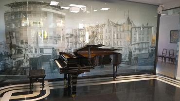 W hallu w willi przy ulicy Żytni 8 w Sosnowcu stanął fortepian, na którym koncertować będą goście salonu muzycznego