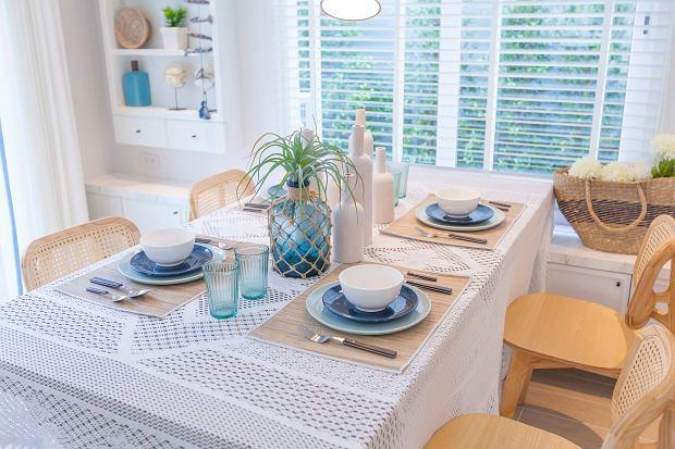Jaki obrus na stół do rustykalnej jadalni?