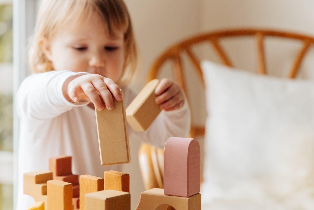 Spojrzeć szerzej na SI. Zaburzenia sensoryczne u dziecka jako element układanki