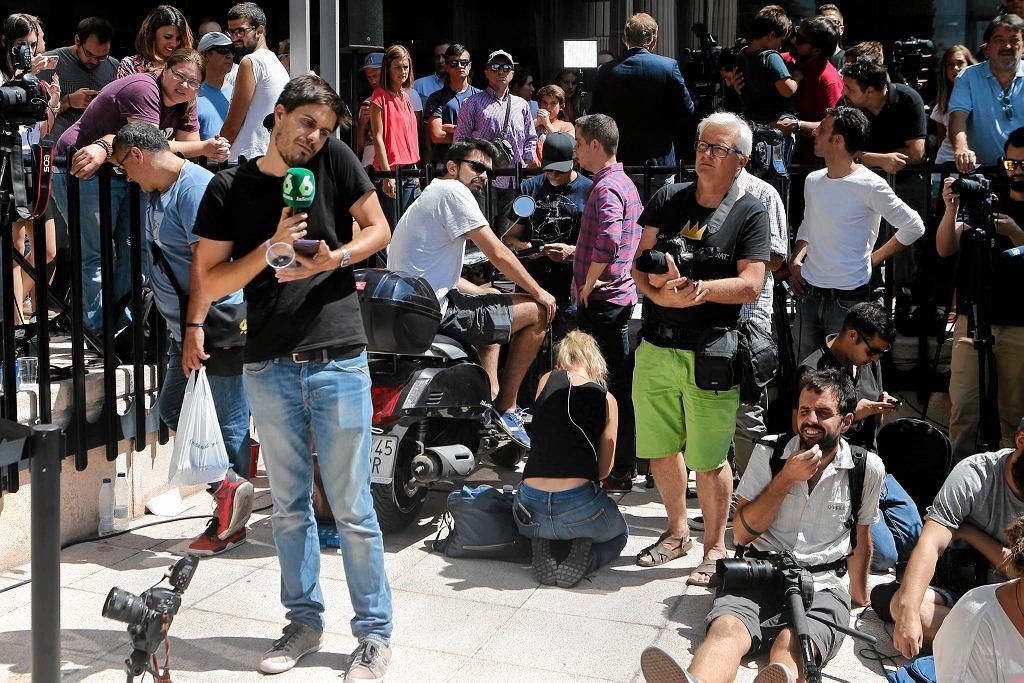Dziennikarze czekali na Cristiano Ronaldo pod sądem, ale piłkarz do nich nie wyszedł