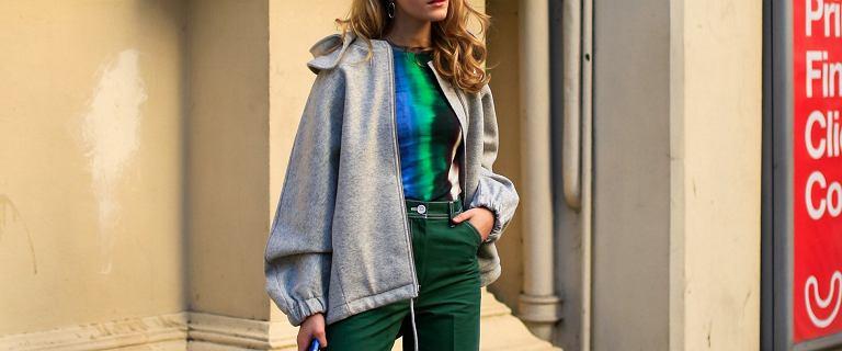 TOP stylowe i bardzo wygodne bluzy z kapturem! Te modele są idealne do jeansów