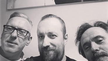 Mariusz Szczygieł, Michał Nogaś i Włodzimierz Nowak podczas pracy nad pierwszą audycją 'Z półki Nogasia'