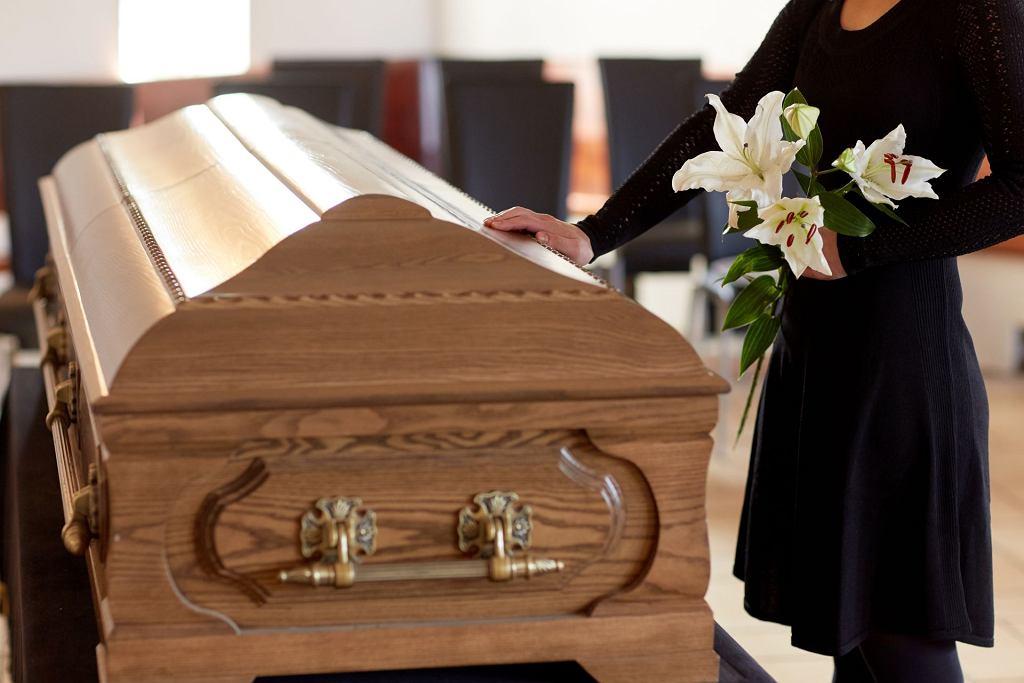 Śmierć, trumna