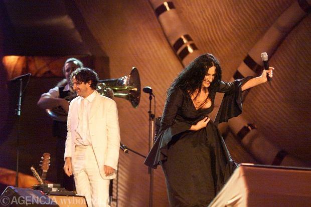Kayah i Goran Bregović podczas koncertu w 1999 roku
