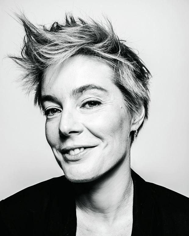 lesbijka uwodzi prostą kobietę wielki kutas chłopaki com