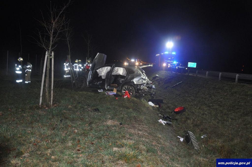 67-latek zginął na miejscu po wypadku Bentleya