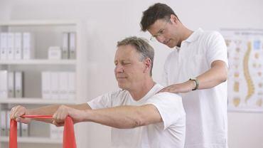 Fizykoterapia ma za zadanie przyspieszyć powrót chorego do zdrowia, jednym z jej elementów są odpowiednio dobrane ćwiczenia fizyczne