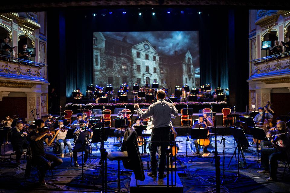 ''Straszny Dwór'' w Operze Wrocławskiej