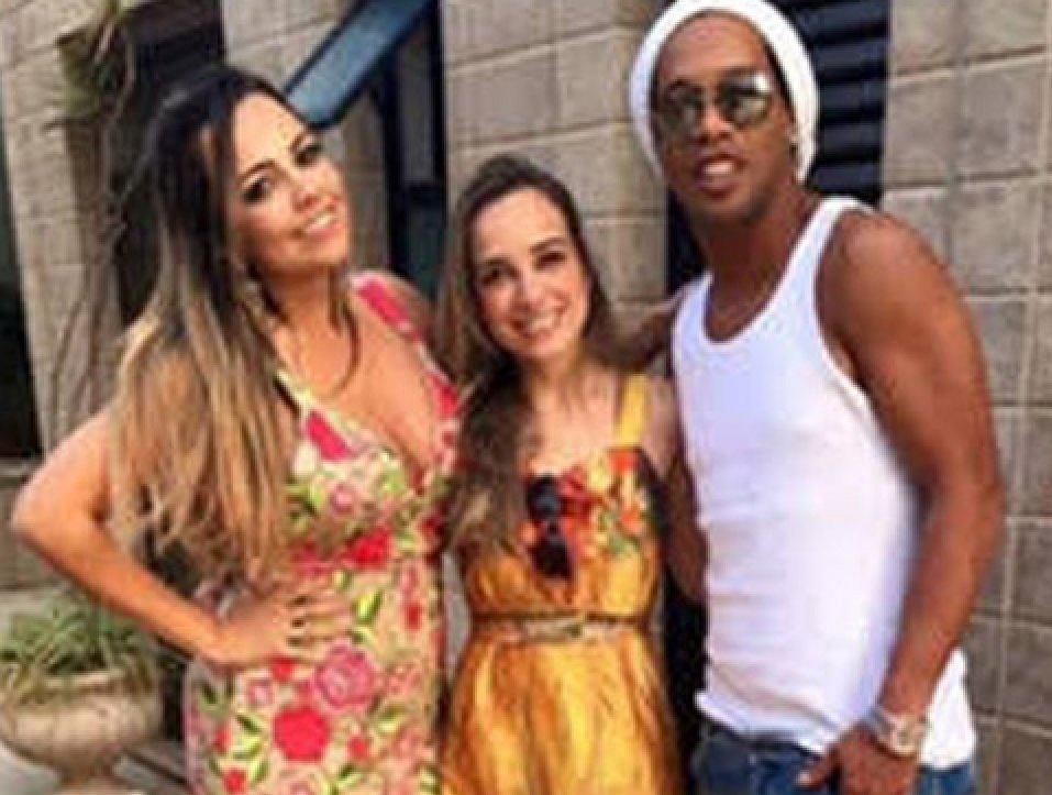 Ronaldinho z żonami