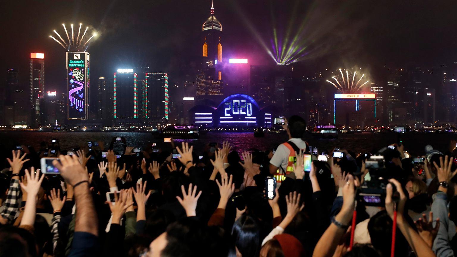 Sylwester 2019 i Nowy Rok 2020 na świecie. Nie wszędzie można było świętować. Pożary w Australii, protesty w Iraku i Hongkongu | Wiadomości ze świata - Gazeta.pl