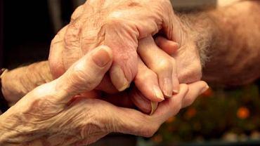Choroba Parkinsona to rodzaj postępującego zwyrodnienia atakującego przede wszystkim ośrodkowy układ nerwowy