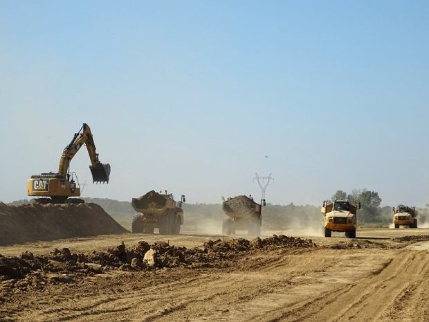 Prace ziemne, budowa drogi