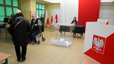 Pierwsze wybory do europarlamentu w Polsce. Kto wygrał w 2004 roku? Jaka była frekwencja?