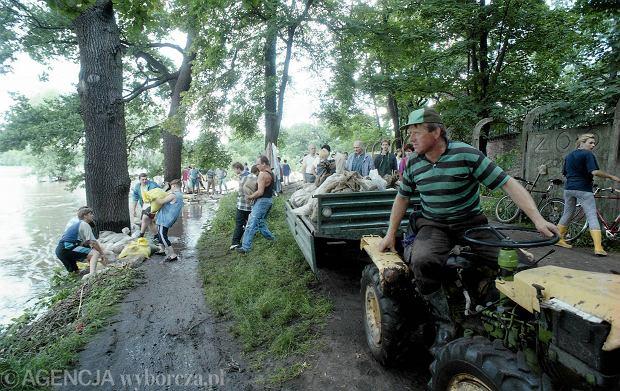 Zdjęcie numer 15 w galerii - 17 lat temu Odra zalała Wrocław. Tak wyglądało miasto [FOTO]