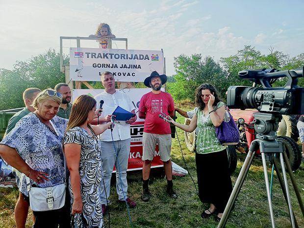 Konferencja prasowa przed Traktorijadą. Marcin w asyście Milana Stojkovicia Godzy, wiceprezedenta Leskovaca.