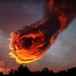 Ciekawa formacja chmury nad Maderą
