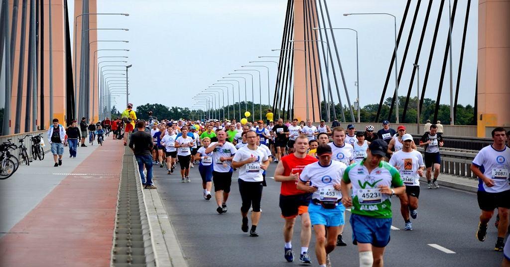 Bieg przez most Warszawa-Białołęka
