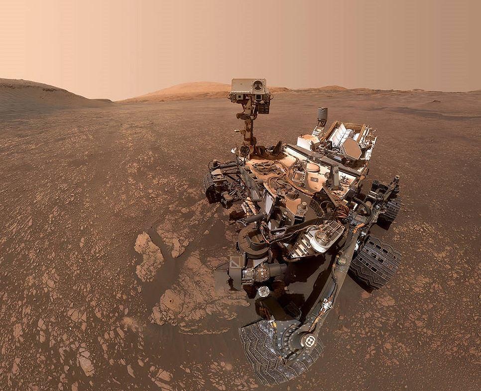 Selfie wykonane przez łazik Curiosity na Marsie.