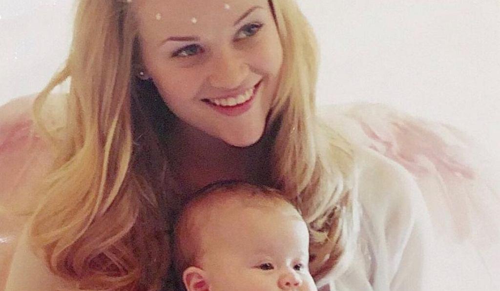 Córka Reese Witherspoon ma już 21 lat. Podobieństwo do mamy? Uderzające! Wyglądają jak bliźniaczki (zdjęcie ilustracyjne)