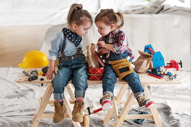Okazuje się, że wielu rodziców wraz z dziećmi, łamie powszechnie przyjęte schematy na temat płci.