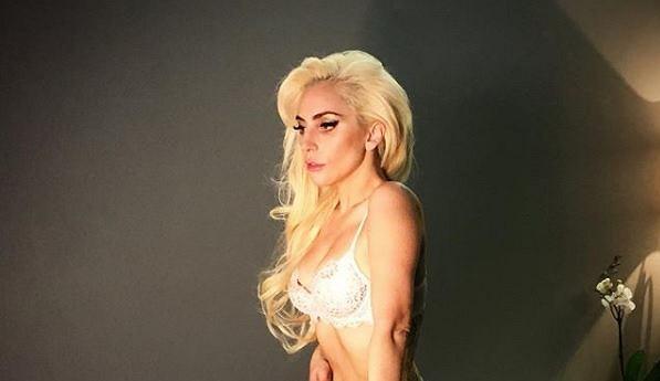 Lady Gaga znów schudła. Rozebrała się i pokazała szczupłe ciało. Nie za odważnie?