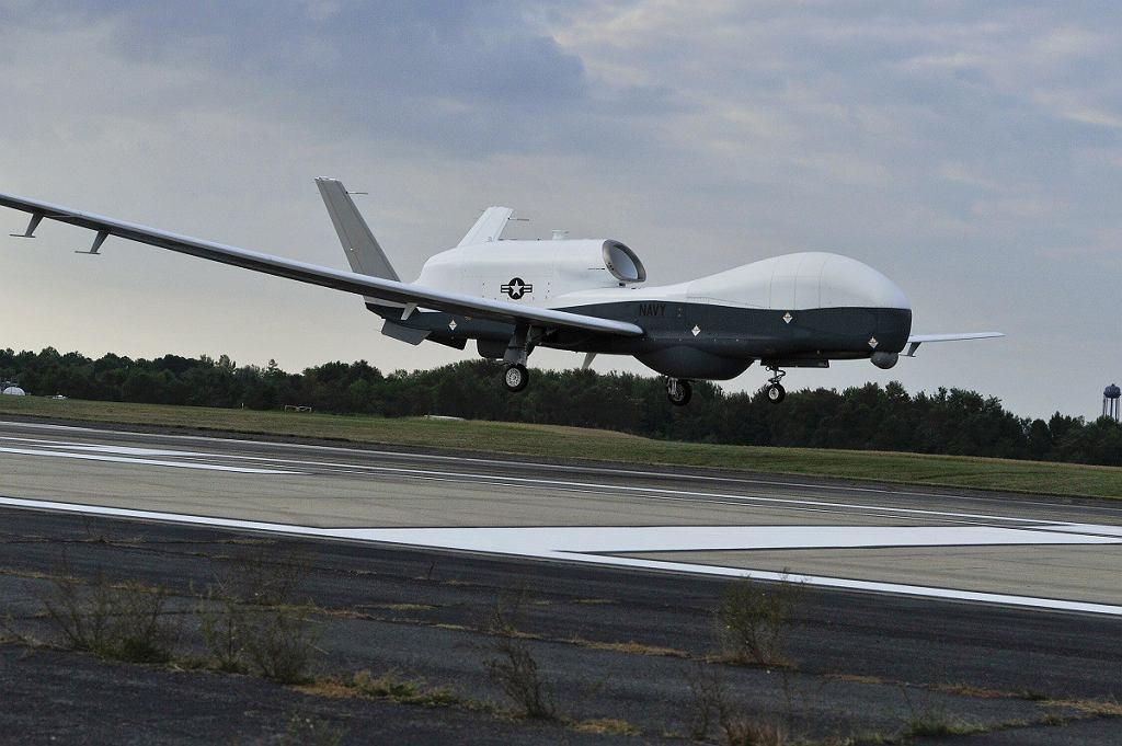 Bezzałogowy samolot US NAVY MQ-4C Triton