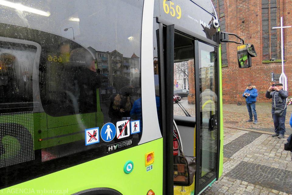 Pierwsza przejażdżka po mieście pierwszymi w Gorzowie autobusami z napędem hybrydowym