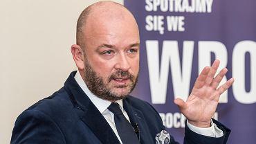 Jacek Sutryk: - Skutki finansowe zapowiadanych przez rząd PiS w Polskim Ładzie zmiany w podatku PIT będą dla samorządowych budżetów gorsze, niż skutki pandemii COVID-19.
