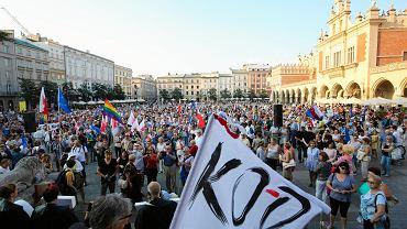 Kraków, protest przeciwko zmianom w sądownictwie