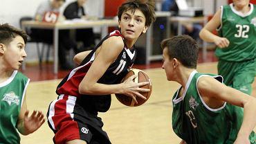 Benjamin Urbański z Polonii, rocznik 2001, podczas meczu z Zastalem Zielona Góra w ramach Future for Basket Cup Warszawa 2013