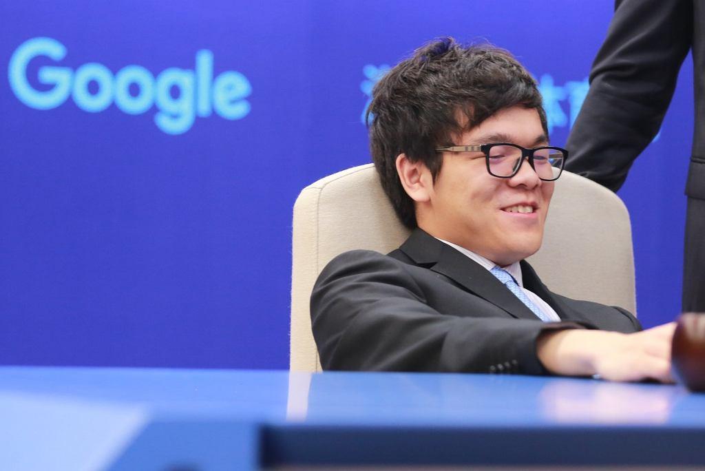 Ke Jie, mistrz świata w Go przegrał ze sztuczną inteligencją od Google