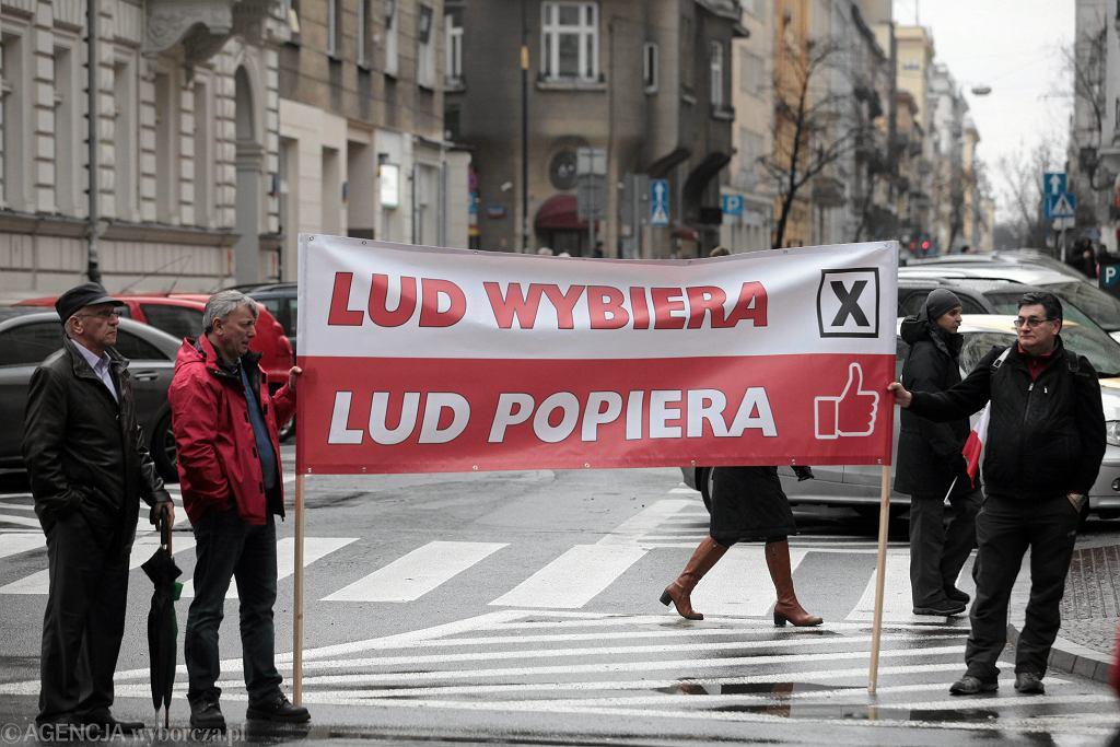 'Partia z ludem, lud z partią...' - V Marsz Wolności i Solidarności PiS