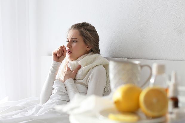 Domowe sposoby i nowoczesne metody w walce z kaszlem