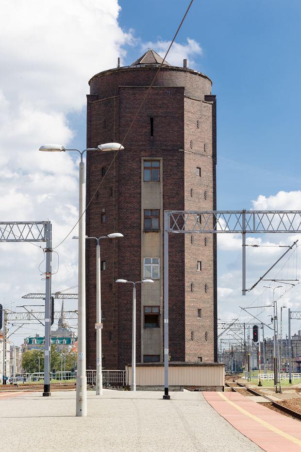 Zdjęcie numer 7 w galerii - Są nieodłącznym elementem krajobrazu Katowic. 15 wież uwiecznionych na fotografiach
