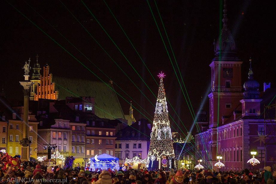 Uroczyste zapalenie oświetlenia bożonarodzeniowego na ulicach Warszawy