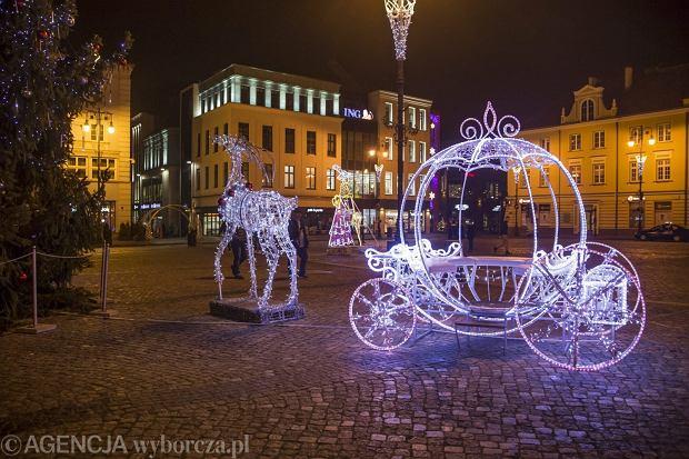 `12.12.2016 Bydgoszcz , Stary Rynek , Mostowa . Iluminacje .Fot. Grazyna Marks / Agencja Gazeta
