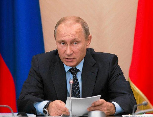Putin się chwali gospodarką, a Fitch kończy z ratingami rosyjskich firm