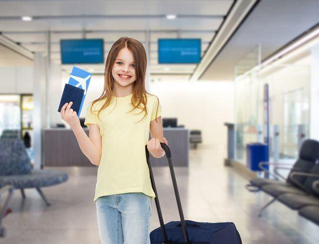 Przed wyjazdem dziecka za granicę należy dopilnować wszystkich formalności. jakie dokumenty będą mu potrzebne?