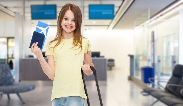 Wyjazd z dzieckiem za granicę: jakie formalności trzeba załatwić?