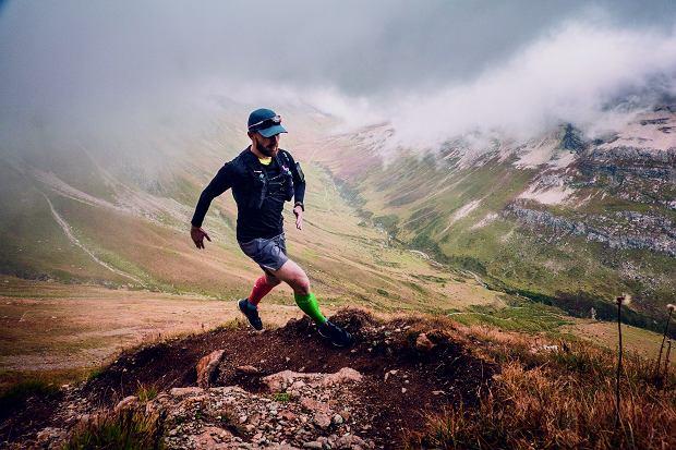 Piotr Bętkowski to zaprawiony górski biegacz. W 2017 r. reprezentował Polskę na Mistrzostwach Świata w Trailu.