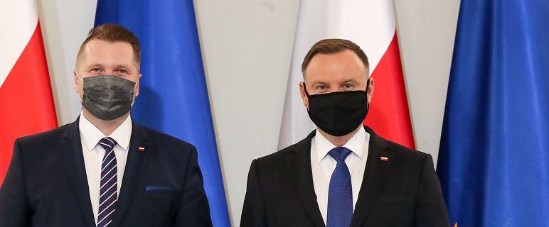 Pierwsza decyzja Czarnka. Zwolnił dyrektorkę od podstaw programowych