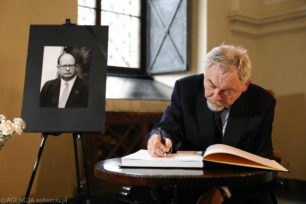 UMK: Księga kondolencyjna, upamiętniająca Pawła Adamowicza