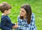 """Jak rozmawiać z dziećmi o emocjach? Ekspert: """"Dzieci potrzebują autentycznego człowieka, nie spiżowego pomnika"""" [ROZMOWA]"""