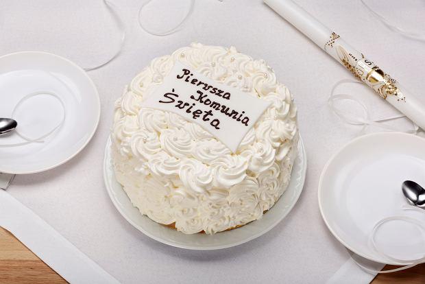 Tort na komunię możemy zamówić w cukierni lub zrobić samemu.