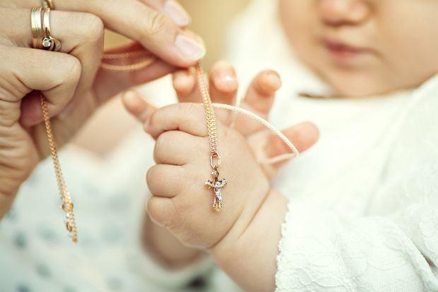 Prezenty na chrzest dla dziewczynki i dla chłopca od chrzestnych, ale nie tylko
