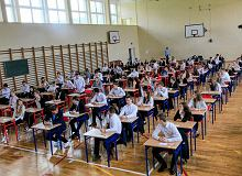 Dyrektor LO w Warszawie: 'Klasyfikacja uczniów była zagrożona'. Teraz 'jest szansa'